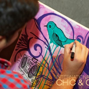 Chic & Cozy: Touch the Art