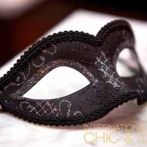 Chic & Cozy: Eyes Wide Shut